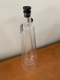 Oil and vinegar 2 in 1 bottle holder .Salt &Pepper brand  Vancouver, V6G