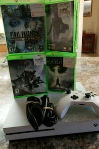 Xbox One console with controller and game cases Bethesda, 20817