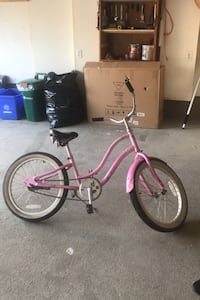 Pink girls bike Vaughan, L4H 2Z2