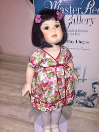 """Rare, 19"""" Asian """"May Ling""""doll by Jeanne Singer. By """"Masterpiece Doll Gallery"""" Porcelain, limited edition  Sold for $130 in 2001 She is so pretty In original box, doll stand, moveable head ,arms & waist Niagara Falls area"""