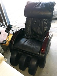 CHEAP!! Power recliner w/leg massage only