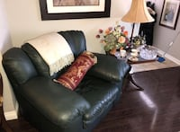 Like NEW Three piece LEATHER sofa, love seat and arm chair set Newmarket, L3Y 2Z5
