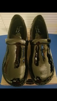 Black patent boc- new, never worn- size 7-great condition-$25 Norcross