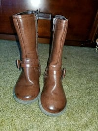 Size 8 toddler boots  Watsonville, 95076