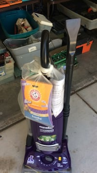 Black and gray upright vacuum cleaner Henderson, 89002