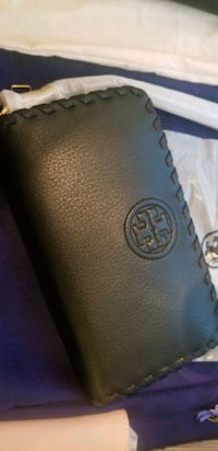 BNWT Authentic Tory Burch Wallet 587 km
