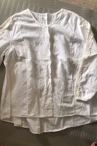 White cotton long sleeve blouse with crochet. -L Burnaby, V5H 1Z9
