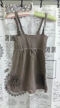 $2 Brown tank top small Abercrombie and finch Stratford, N5A 5H9
