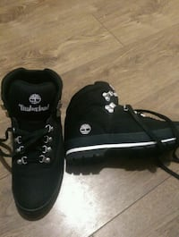 Size 9 timberlands 70 firm Winnipeg, R2L 0N4