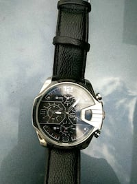 round silver chronograph watch with black leather strap Gresham, 97030