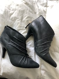 Also Booties SZ 6 Toronto, M6S 5B3