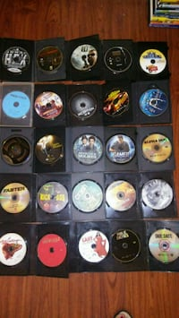 assorted game discs with cases South Bend, 46613
