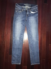 Blue denim skinny American Eagle jeans. Size 2 Whitby, L1P 1T6