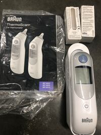 Braun ThermoScan Ear thermometer w/ 2 oral thermometer w/ case