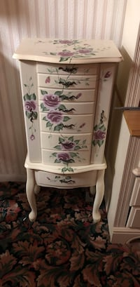 white and pink floral wooden 4-drawer chest East Patchogue, 11772