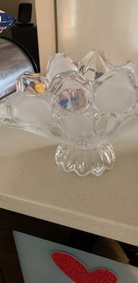 clear glass bowl with lid Philadelphia, 19115