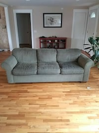 Green Couch 7ft × 3ft Kennewick, 99337
