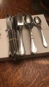 Cutlery 8 forks, 8 knives, 6 large spoons,3 tsp,5 small forks Silver Spring, 20905