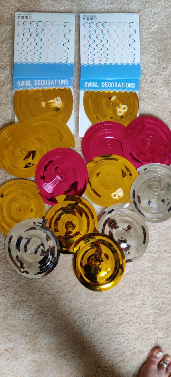 20 PC's swirl decorations.... 5