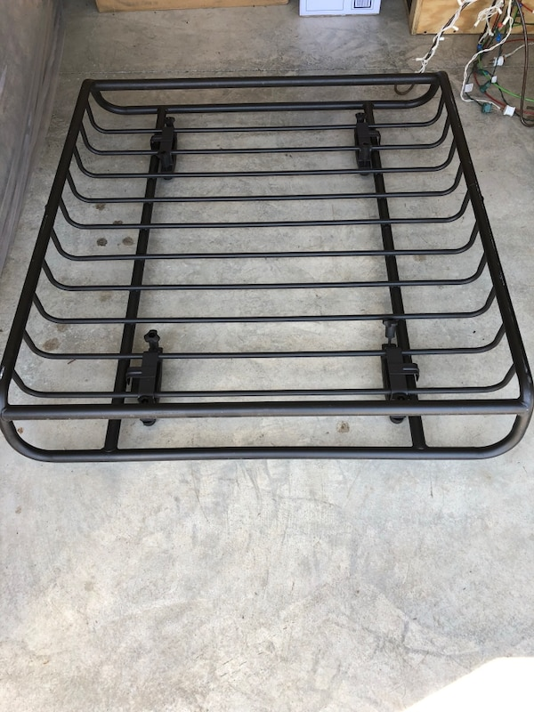 Yakima skyline towers, 50in core bars and load warrior basket. 6a5eb6c3-2da0-47a8-a22c-7556321635a9