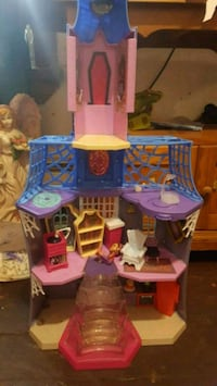 vampirina house Tower City, 17980