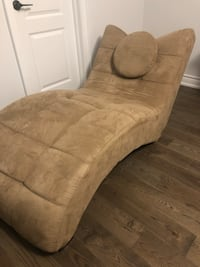 Lounging Sofa Chair Mississauga, L5M 6L9