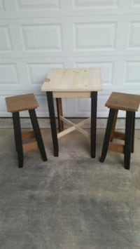 (New) Rustic table and stools
