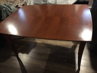 Wood table with 5 chairs Laval, H7K 1P2