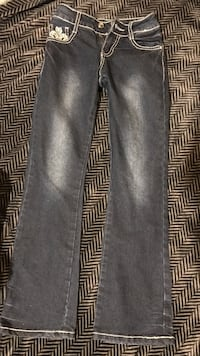 Black-washed straight cut jeans