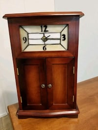 "Beautiful 17""-10"" wooden stained glass clock"