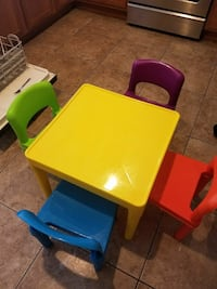 table for kids with 4 chair