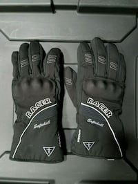 Cold weather motorcycle riding gloves