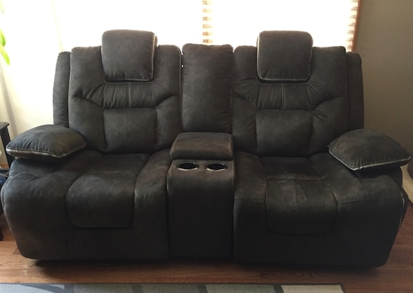 Power recliner living room set. Final price drop need gone by end of month