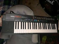 black and white electronic keyboard psr-2  Middletown, 45044