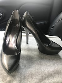 Ladies size 6 Waterloo, N2L