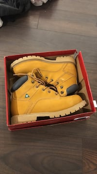 BRAND NEW Steel Toe Boots CSA Approved Size 9 Toronto, M6K