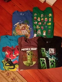 Lot of 5 Minecraft t-shirts Westminster, 21158