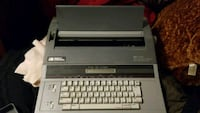 Typewriter with spell check 1463 mi