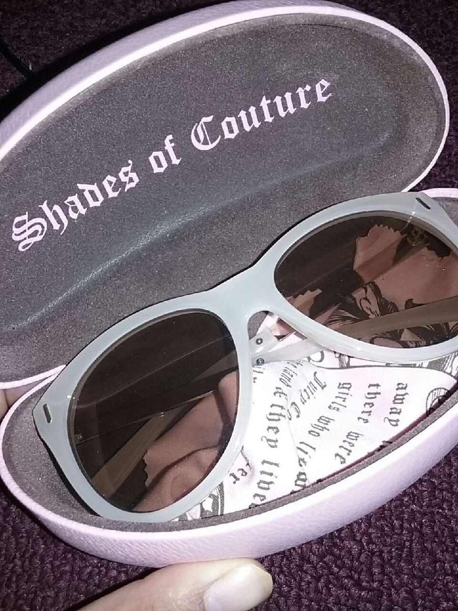 white frame shades of couture wayfarer sunglasses for sale  Los Angeles