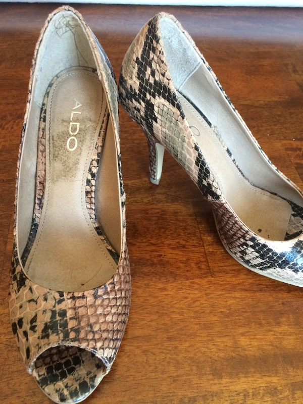 6668c462ad8 Brown and black snakeskin leather ALDO pumps