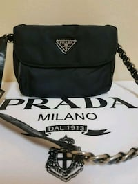 Prada wallet pouch purse  Whitby, L1N 8X2