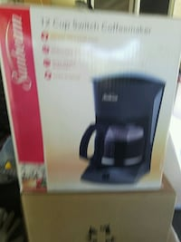 Coffee maker  Surrey, V3R 5G9