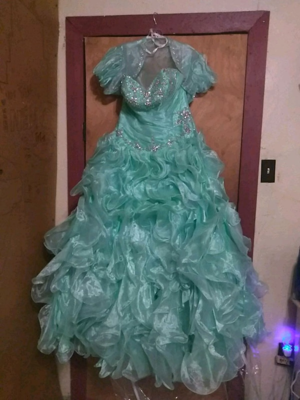 acb0f8613b4 Used Quinceanera Dress!! for sale in Atascosa - letgo