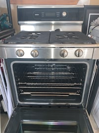 Stainless steel and black gas range Bosch 500oven