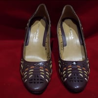 REDUCED! - Via Spiga brown leather pumps. Size 8 ½ M (NEW) Rockville