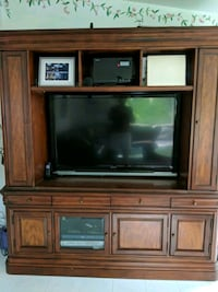 Entertainment Cabinet Englewood Cliffs, 07632