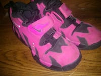 pair of pink-and-black Nike basketball shoes Elm City, 27822