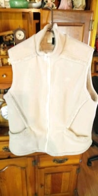 LIGHTLY USED LL BEAN ZIPPERED VEST Hagerstown, 21740