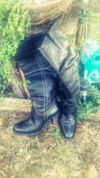 pair of black leather boots Tulsa, 74112
