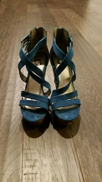 pair of black leather open-toe heeled sandals Dumfries, 22026
